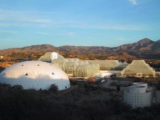2000: Working at the Biosphere II.