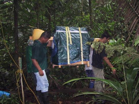 2003: Hauling equipment in the rainforest of Costa Rica